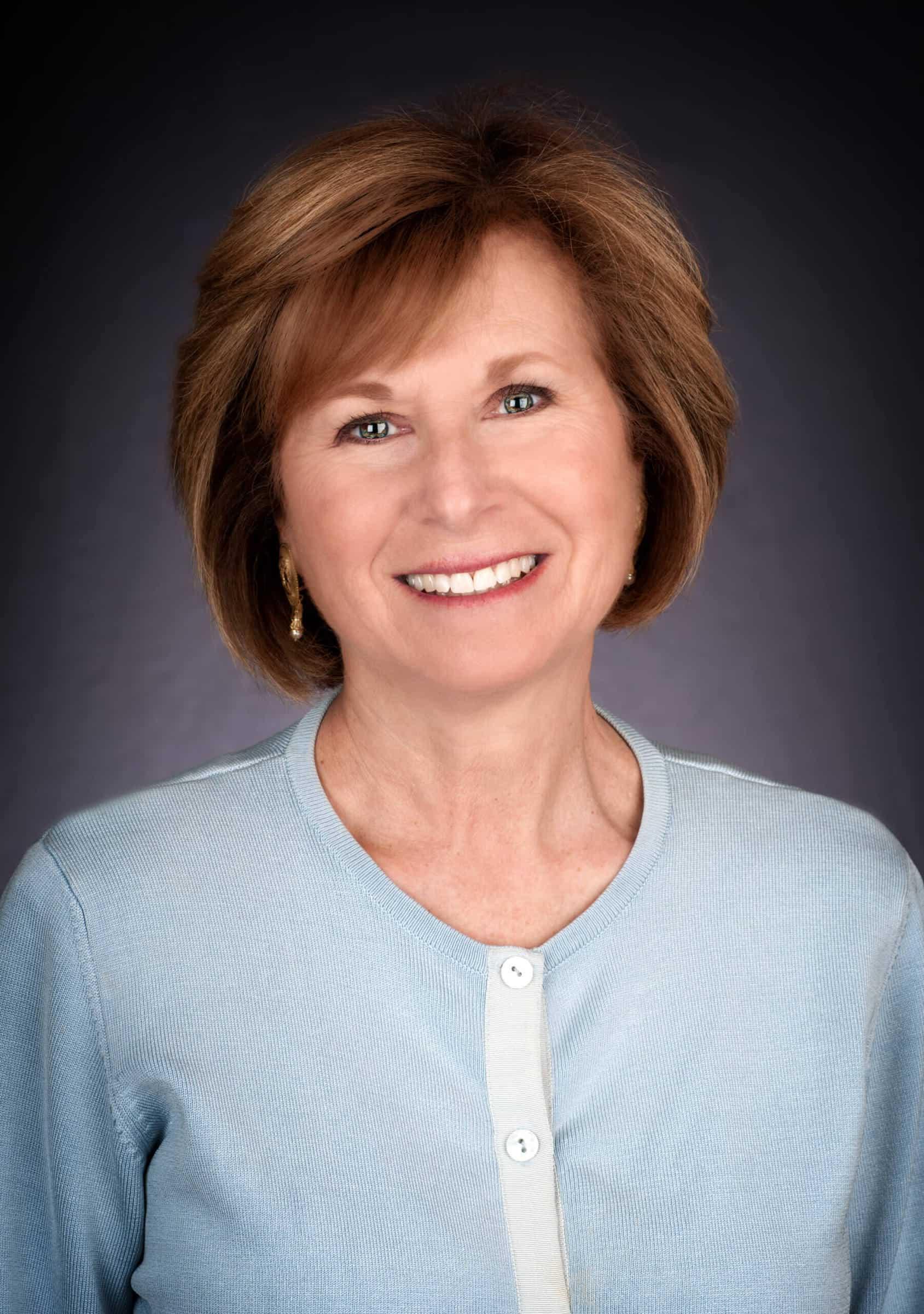 Debbie Silversmith Headshot